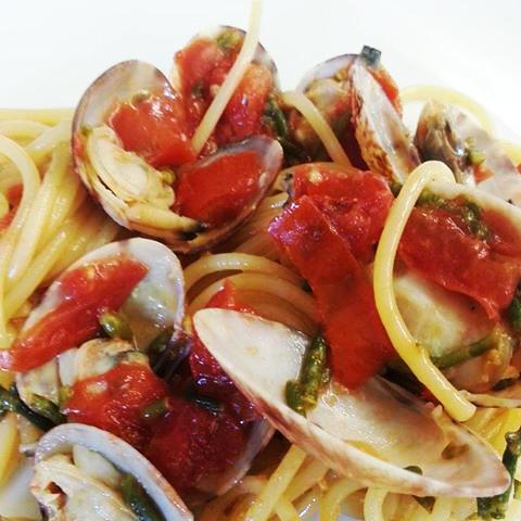 Spaghetti arselle e asparagi di mare