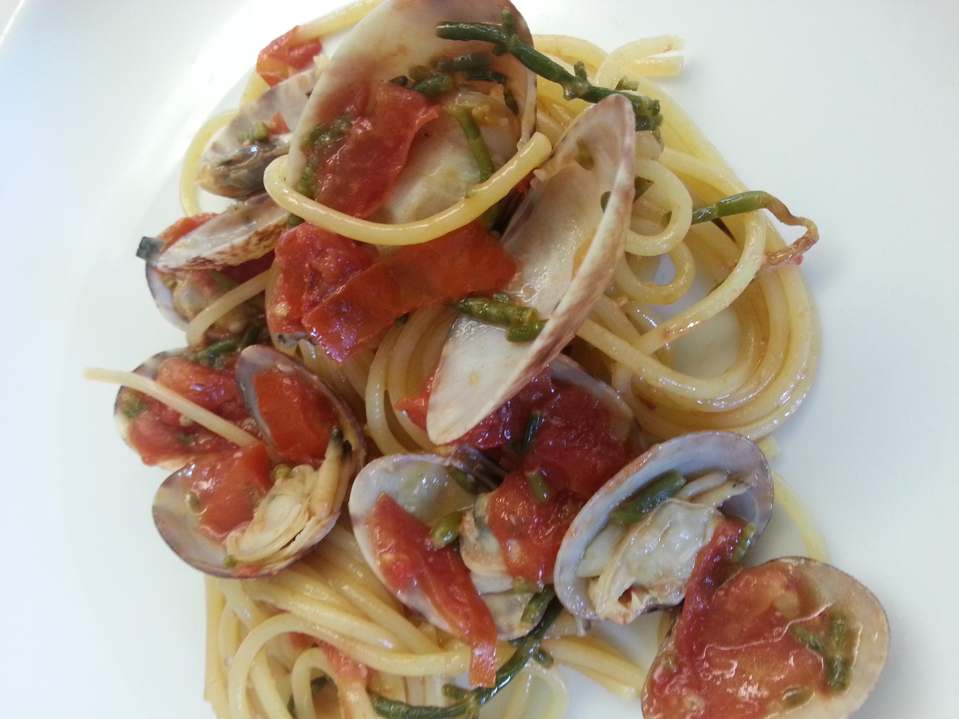 spaghetti arselle  asparagi mare